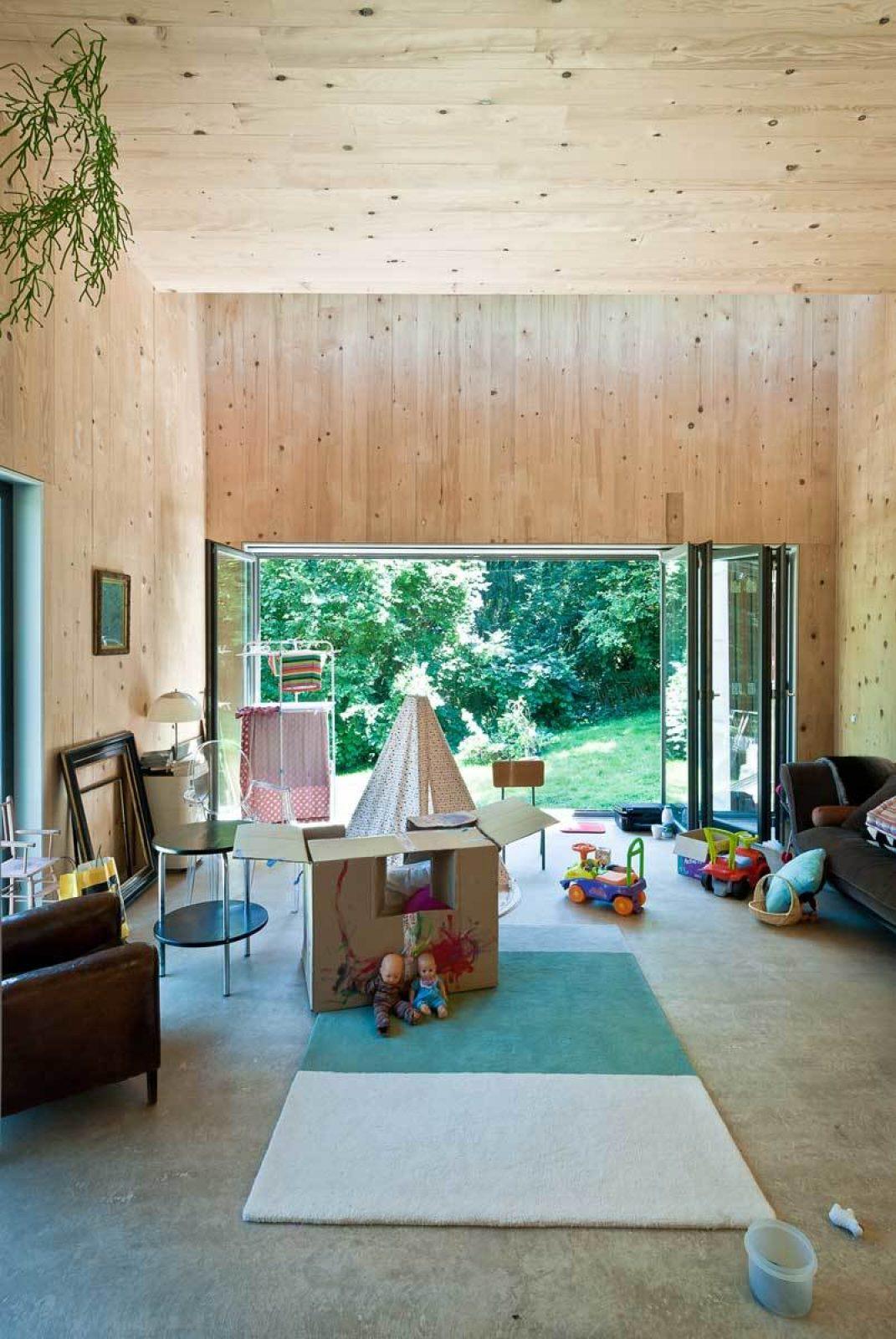 Lyon 11 Interior Living