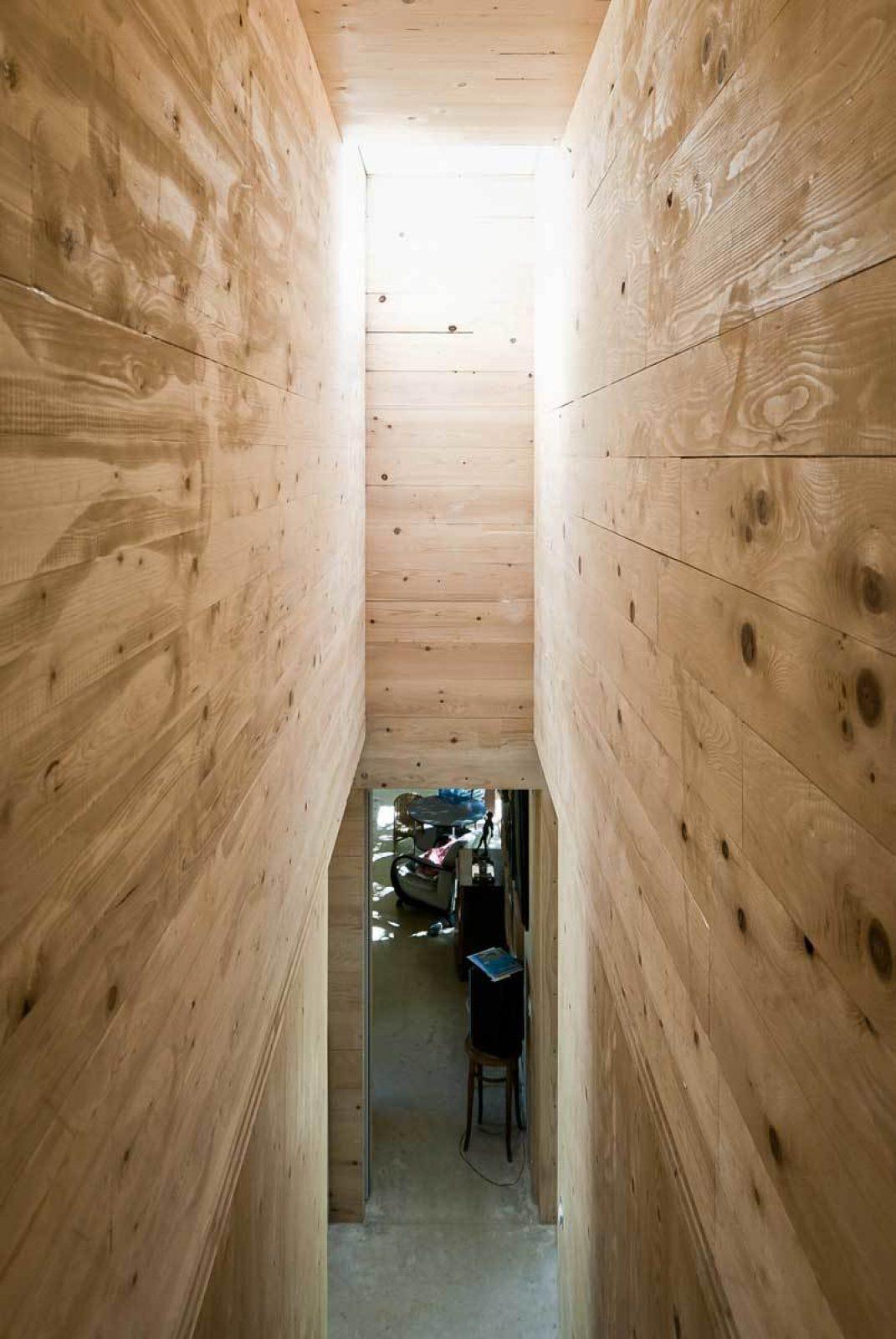 Lyon 13 Interior Stair 2