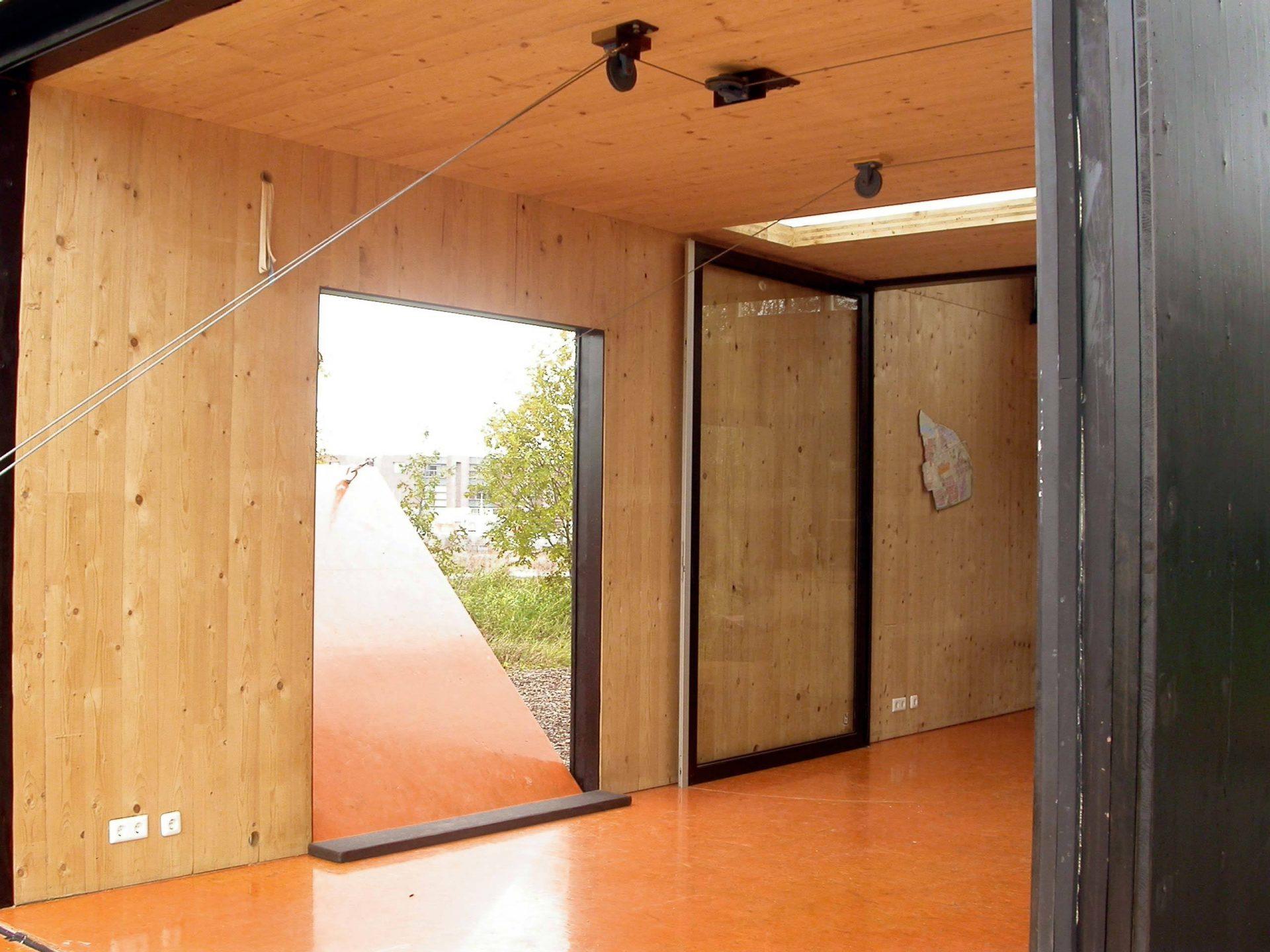 Huis 19 Door Opening System