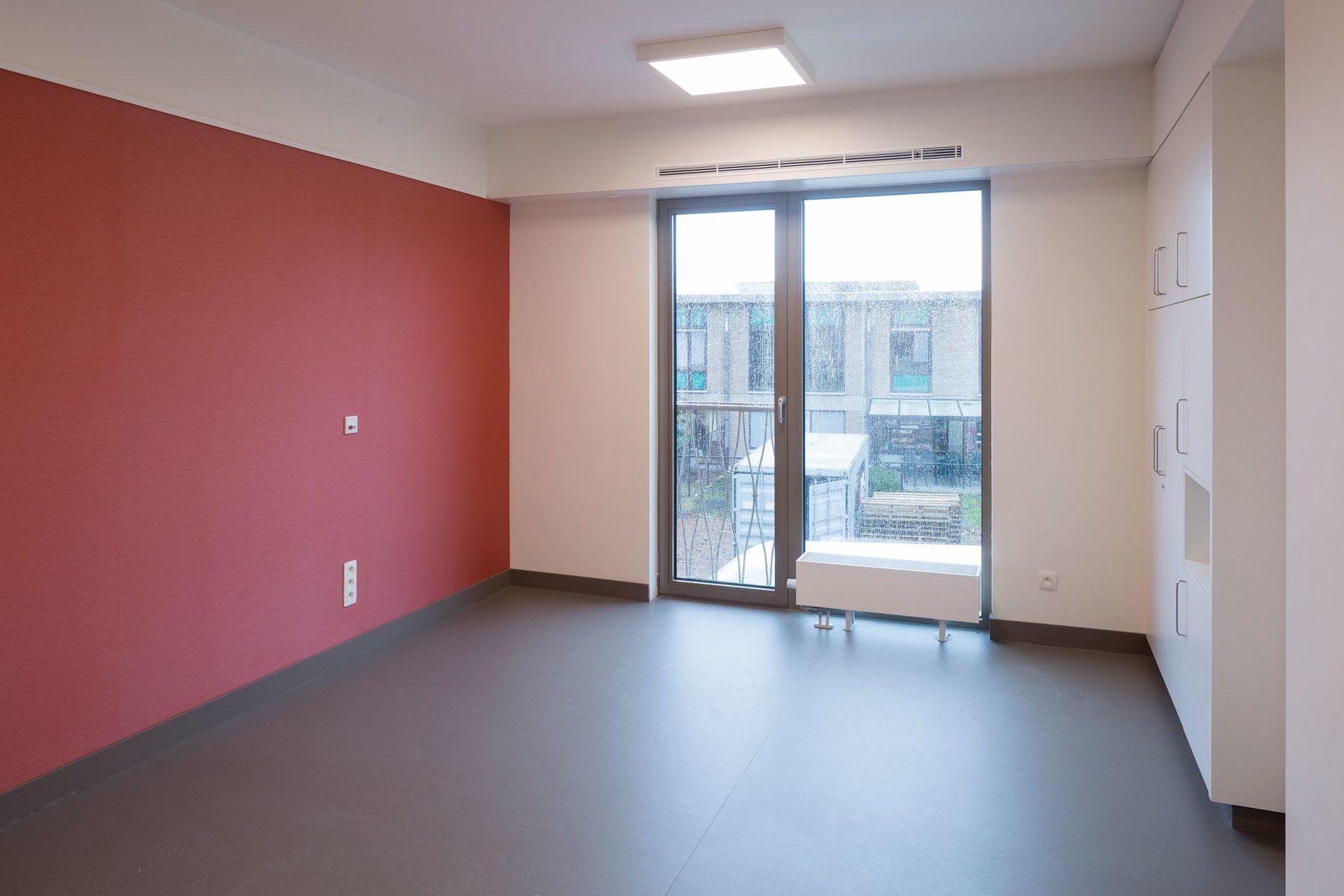 Machelen Room Red