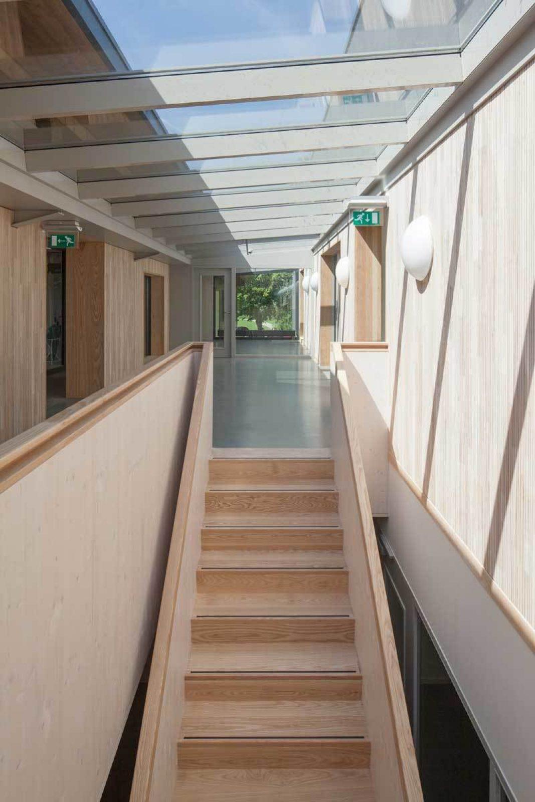 Roigenbouw Stair Corridor