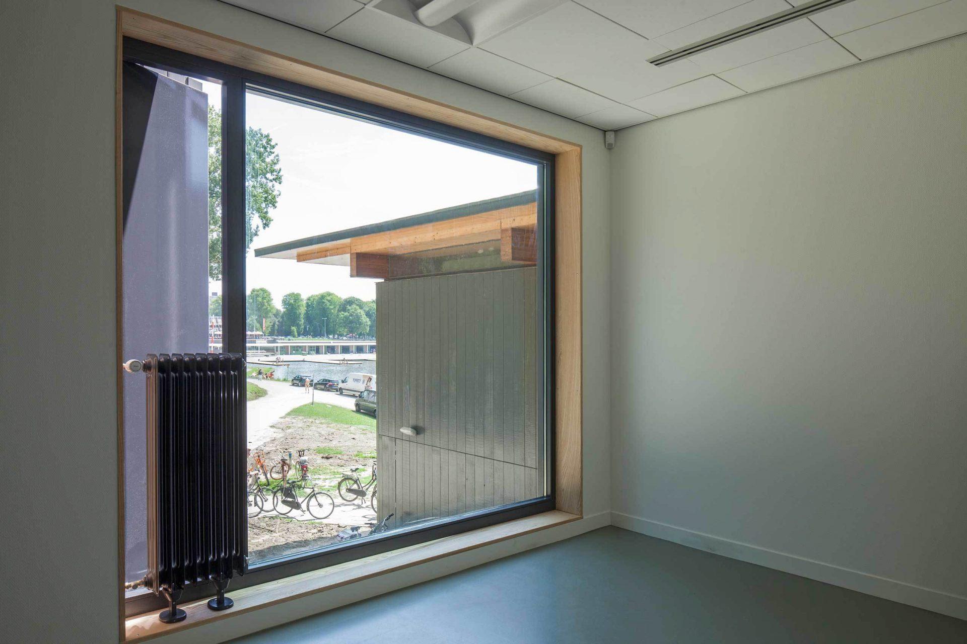 Roigenbouw Window
